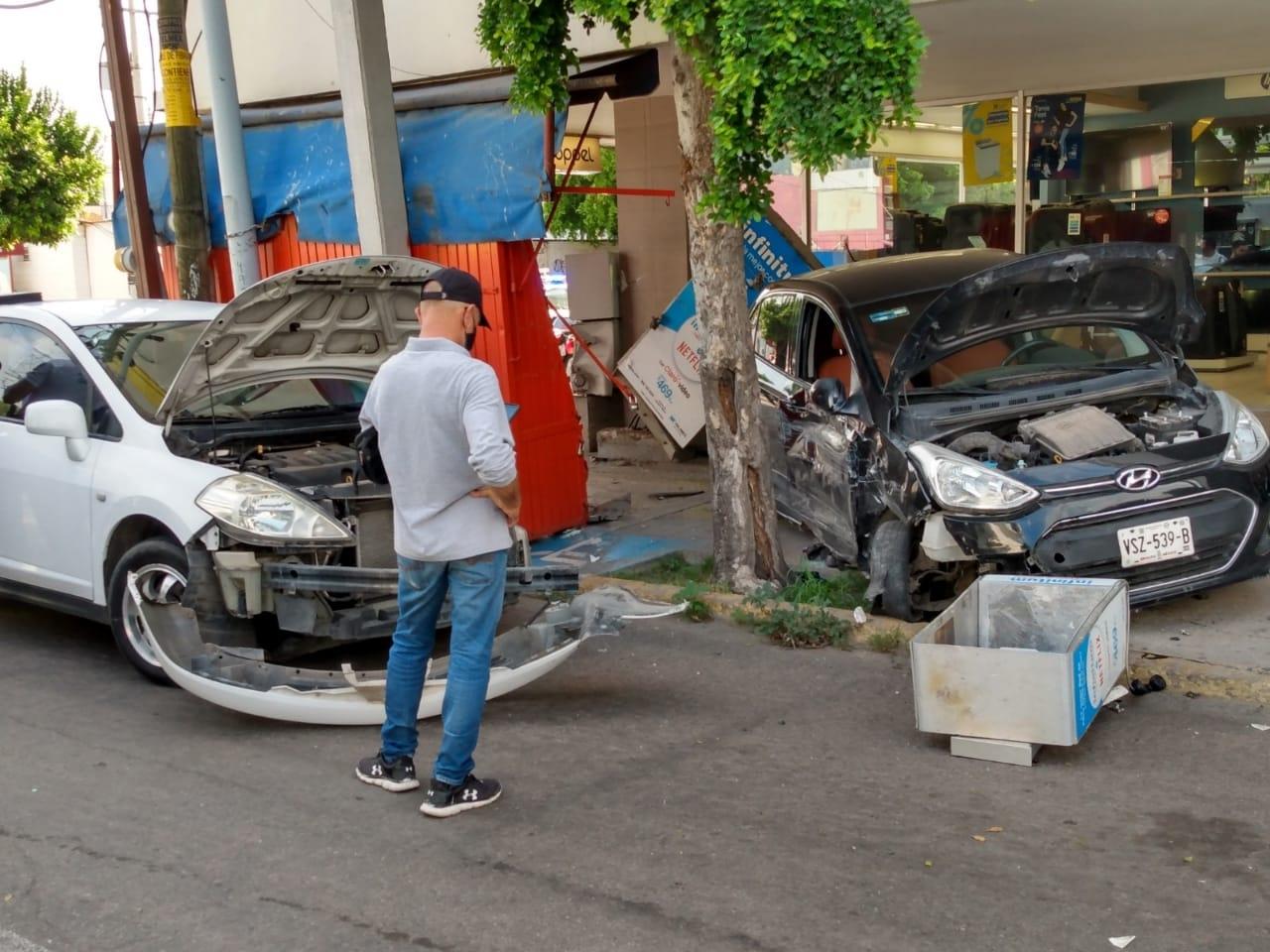 DESARROLLO URBANO CENTRADO EN EL AUTOMÓVIL PONE EN RIESGO LA VIDA DE LOS PEATONES EN CALLES -Y BANQUETAS- DE CULIACÁN